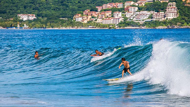 Ixtapa Zihuatanejo surf